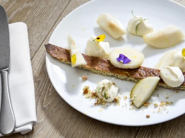 Le Lamarck Sablé aux graines, crème pâtissière à la vanille et poire citronnée - Antoine Versini - Le Lamack, 8rue Lamarck Paris 18e