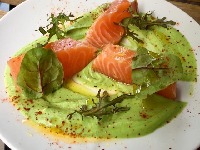 Le Lamarck Saumon gravlax, crème de broccolis - Antoine Versini - Le Lamack, 8rue Lamarck Paris 18e
